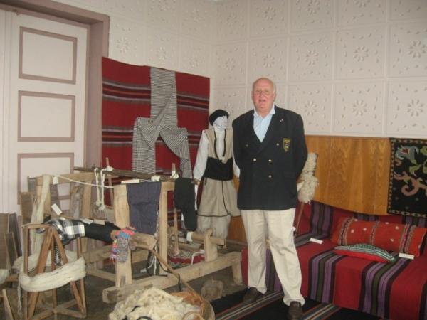 Г-н Кроон при посещението си в Ярджиловци